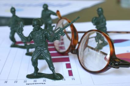 Bill Holter: Finanční válčení, geopolitická a makroekonomická agenda. Co se děje za scénou?